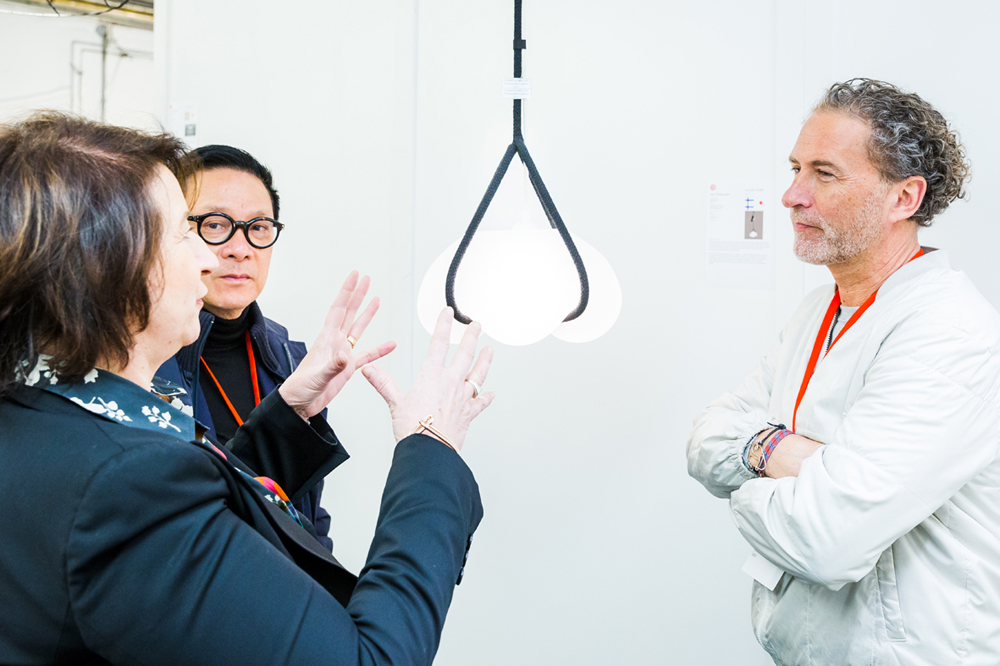 "The Red Dot Jury during the assessment of the lamp ""Nosto"""