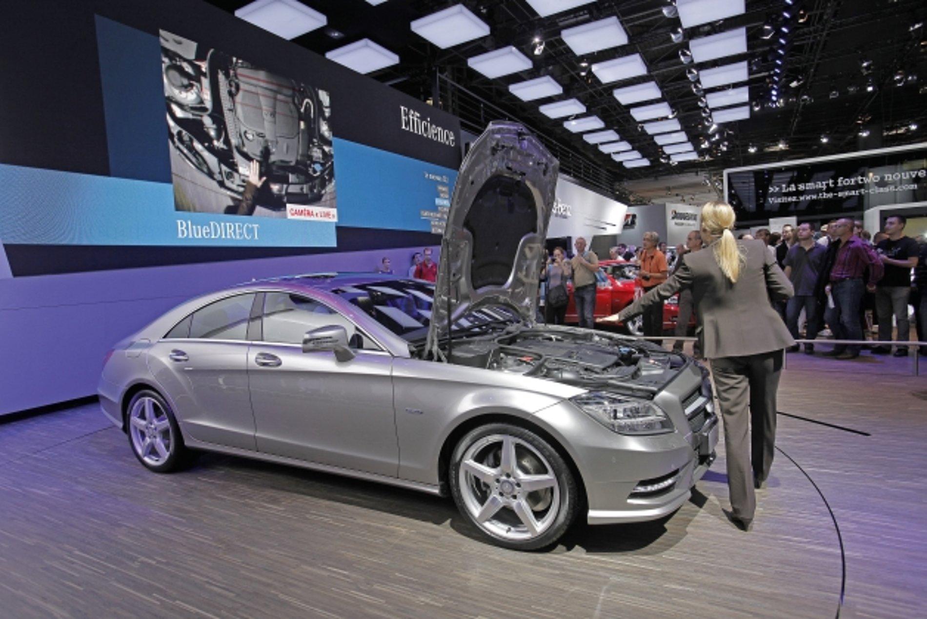 Mercedes-Benz CLS Interactive Presentation Tool | Red Dot Design Award