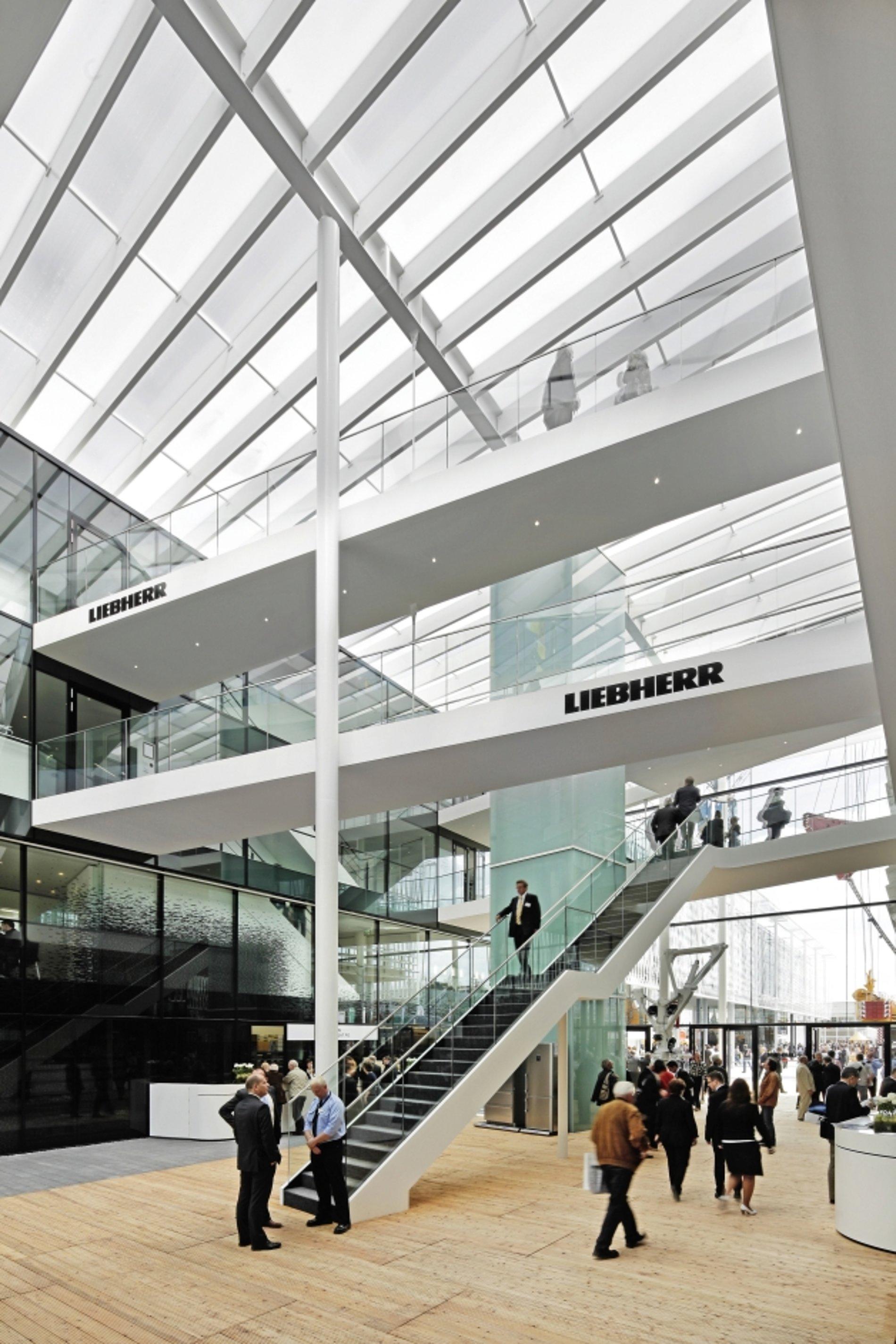 Firmengruppe Liebherr Trade Fair Stand bauma 2010   Red Dot Design Award