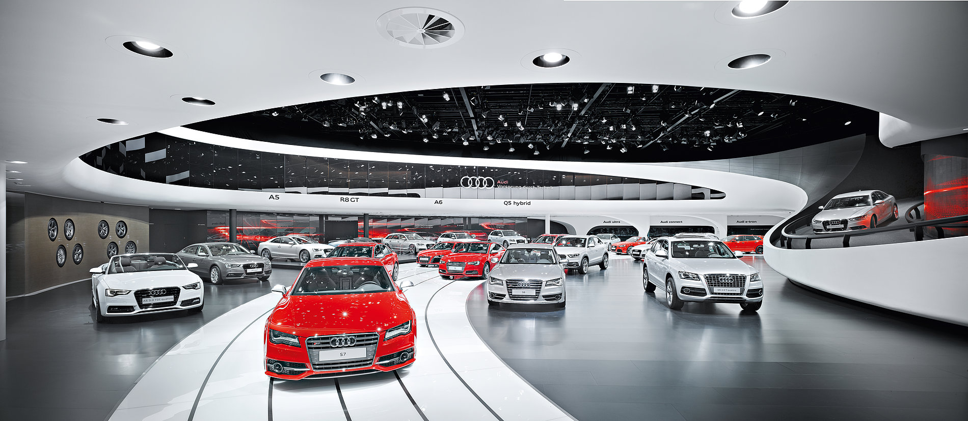 The Audi Ring –  Brand Pavilion IAA 2011 | Red Dot Design Award