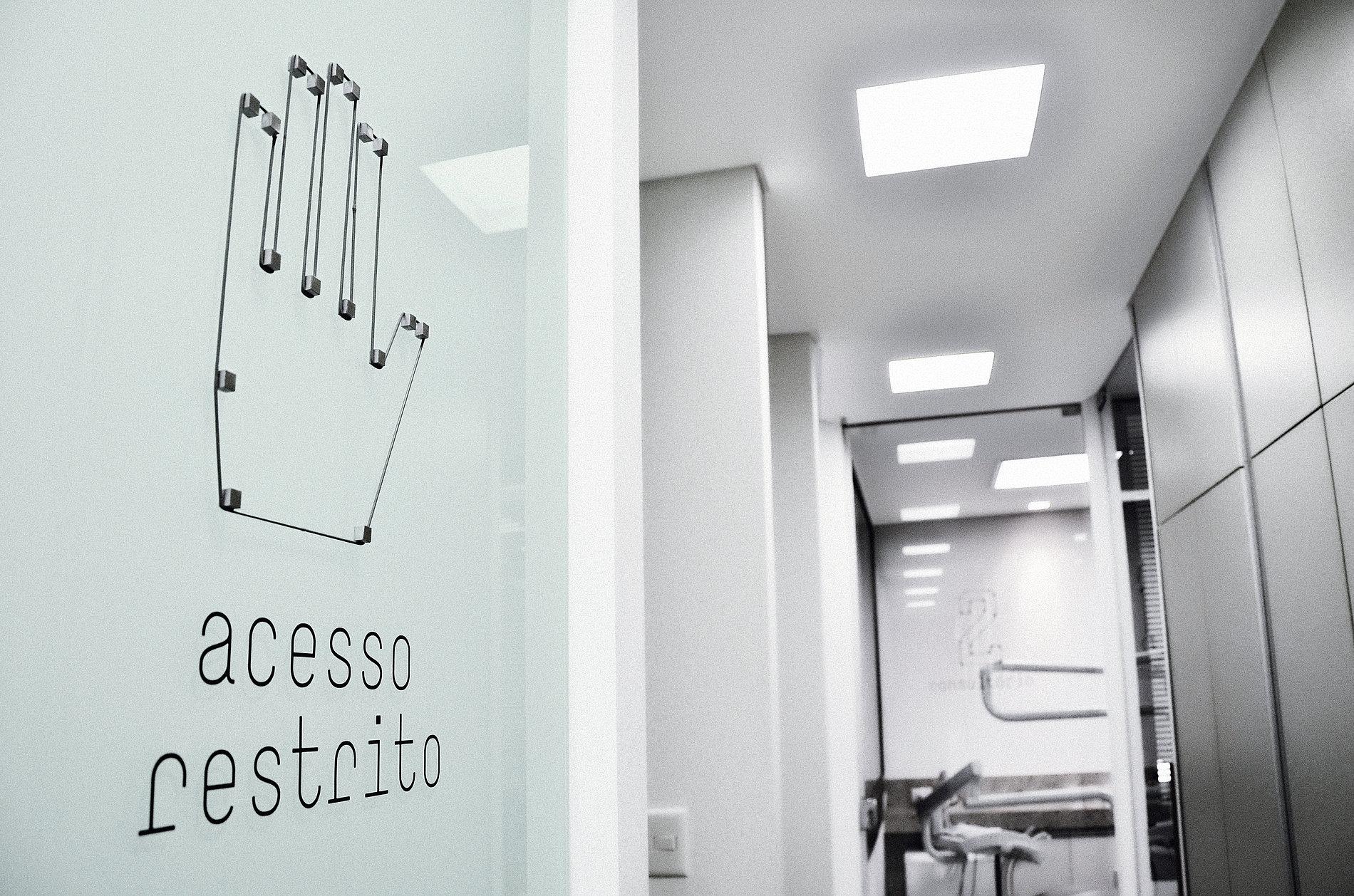 Dauro Oliveira Orthodontics Clinic   Red Dot Design Award