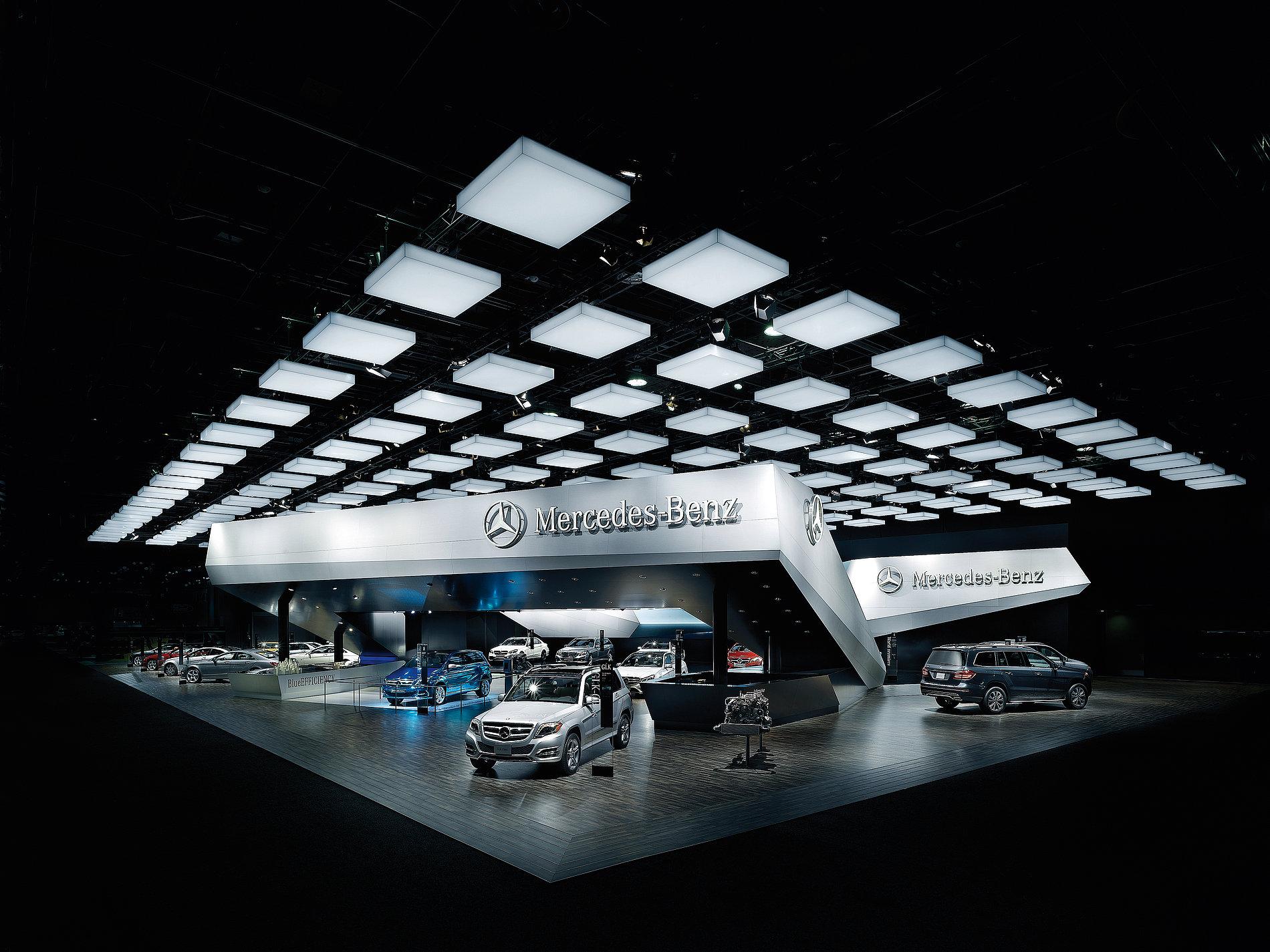 Mercedes-Benz Trade Fair Stand Detroit Auto Show 2013   Red Dot Design Award