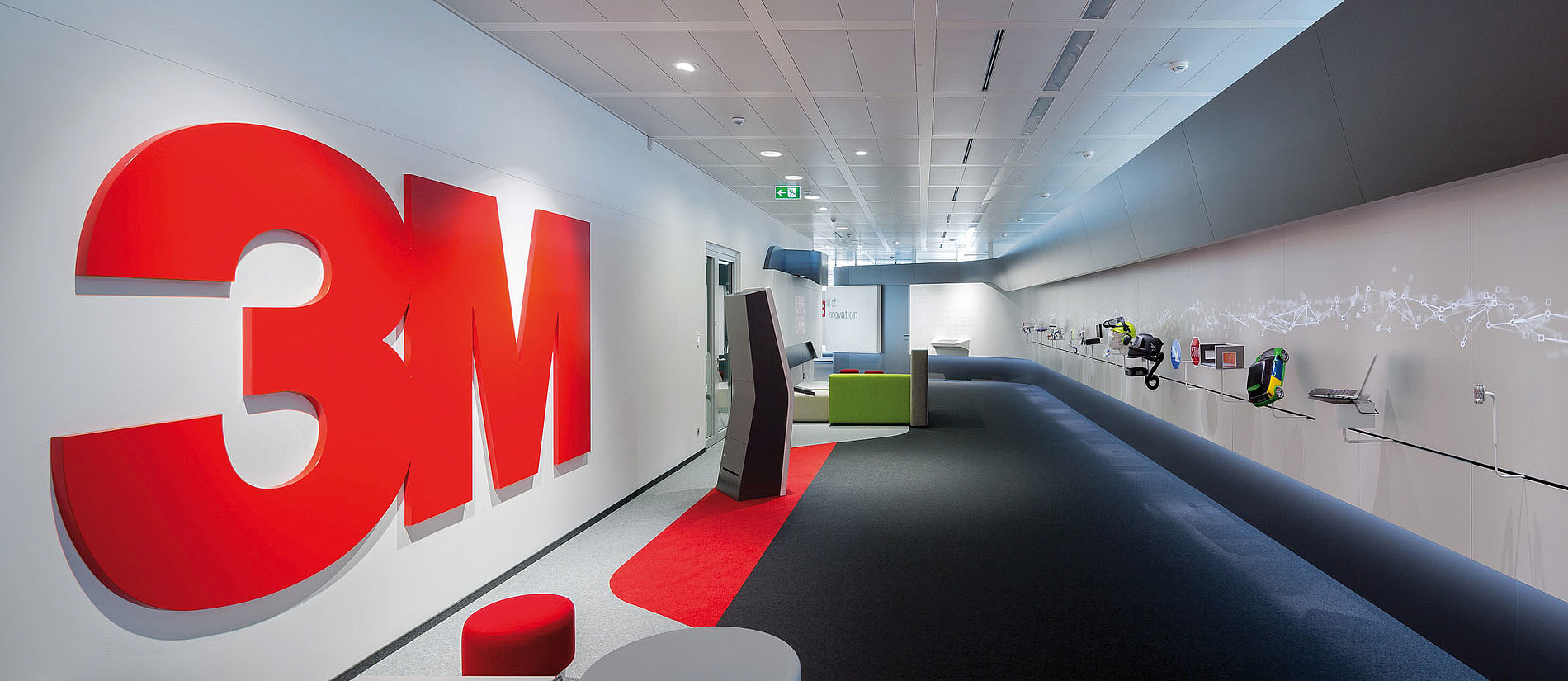 Please touch! 14 metres of innovations for 3M. | Red Dot Design Award
