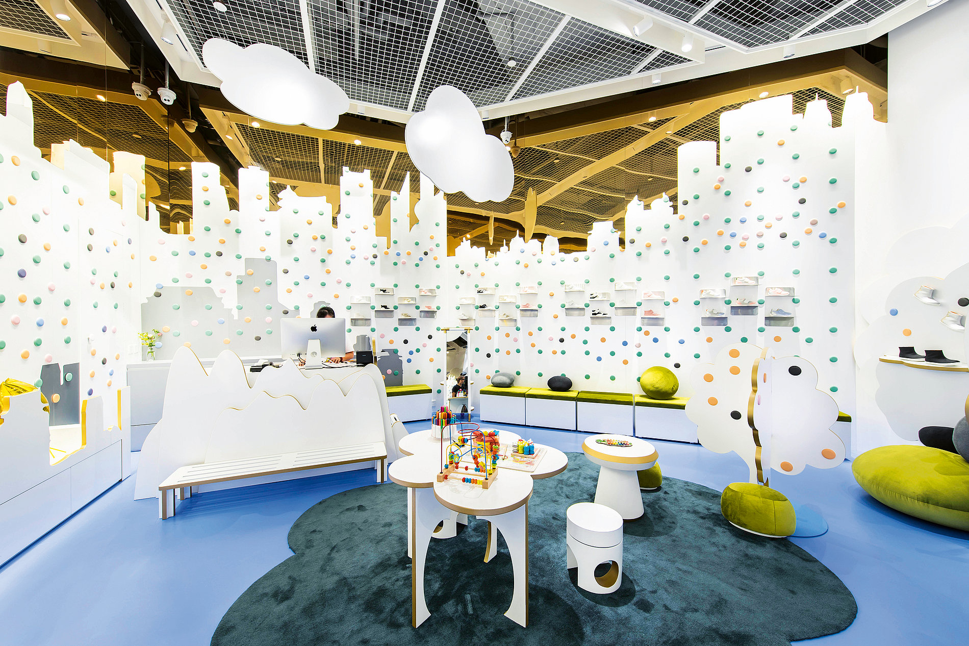 Fly Pony Flagship Store | Red Dot Design Award