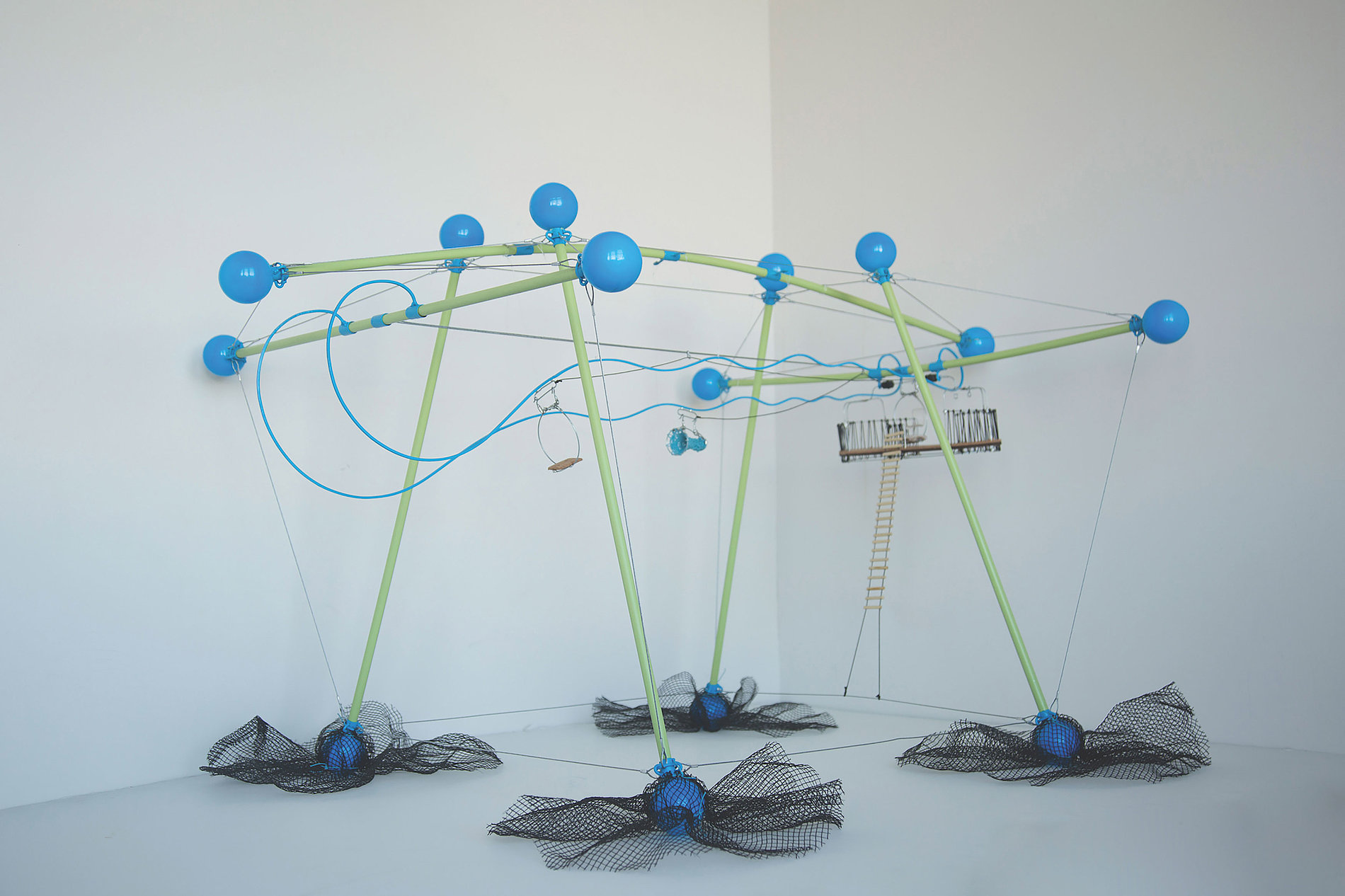 Wiggle Theory Kinesthetic Design for Balance and Movement | Red Dot Design Award