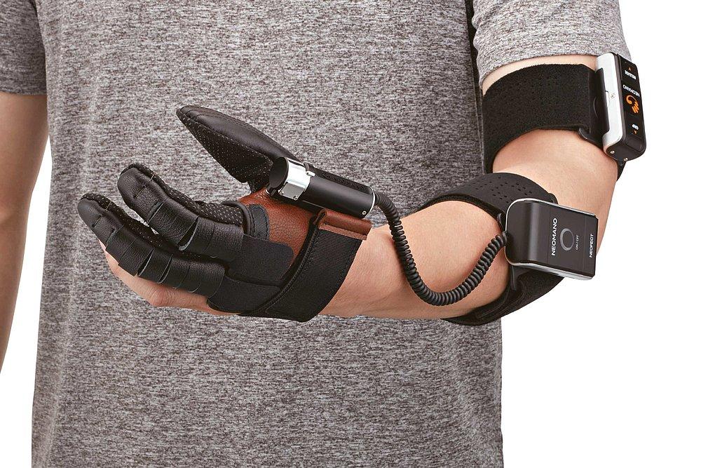 NeoMano, Powerful Wearable Robotic Glove | Red Dot Design Award
