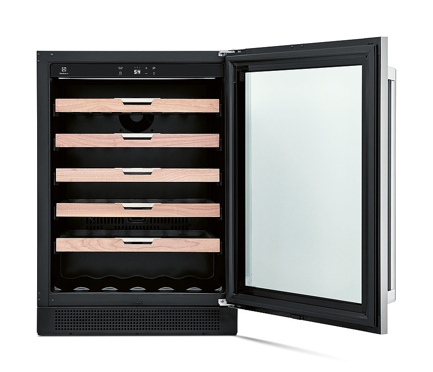 Electrolux 24 Inch Under-Counter Wine Cooler | Red Dot Design Award